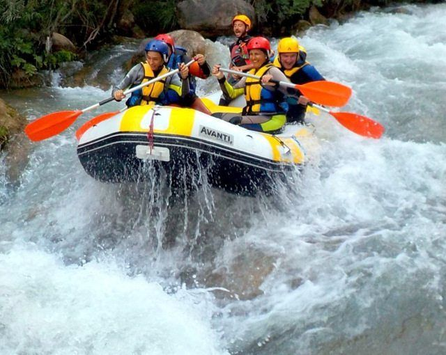 Rafting Pirineos a 1 h de Valencia y Castellón - Único río aguas bravas grado III en toda la Comunidad Valenciana
